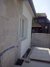 aj zadna stena ciastocne zateplena, terasa bude prekryta, tak dalsie zateplenie bude az po vybudovani strechy