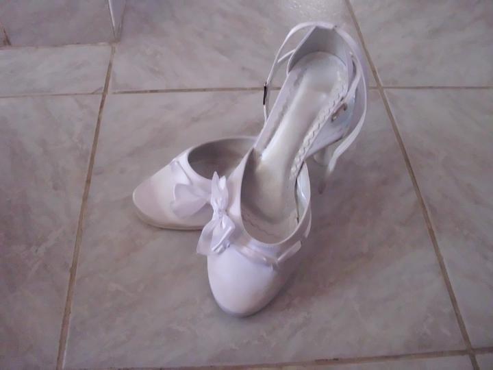 27. august 2011 - predstavy a realita - Svadobné topánočky...