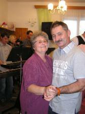 tatínek nevěsty s babičkou