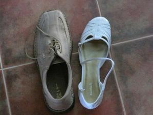 Nakonec změna obuvy. Tyhle botičky jsou bez podpatku
