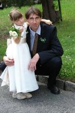 Dcera a zároveň družička Kristýnka a strejda Roman