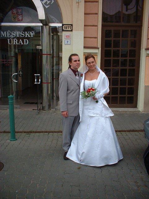 Jana Konečná{{_AND_}}Antonín Klimeš - Ještě svoboní, před radnicí