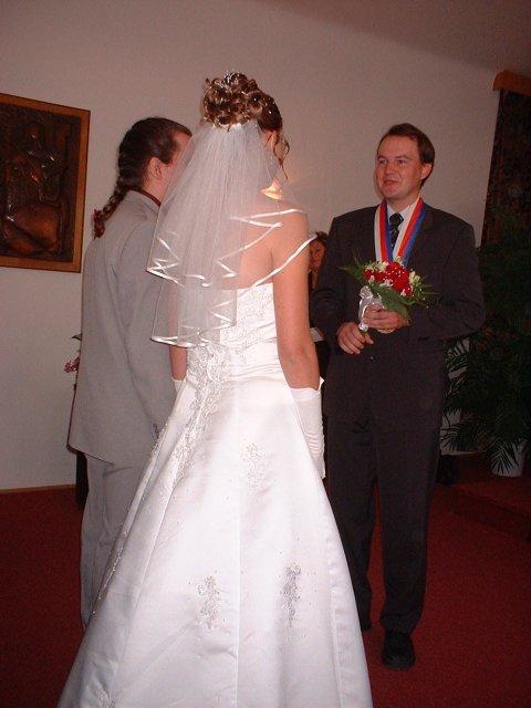 Jana Konečná{{_AND_}}Antonín Klimeš - Gratulace po obřadu od pana oddávajícího