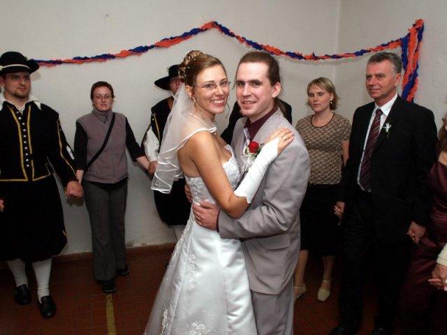 Jana Konečná{{_AND_}}Antonín Klimeš - Kdopak nás asi bude násldovat? Na čí svatbě se zase sejdem celá rodina?
