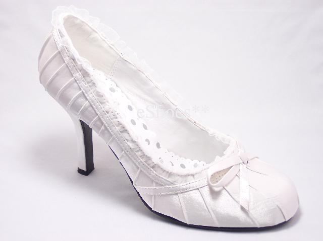 M+J - miluju mašličky:-) tyhle botky se mi moc líbí, ale kde je sehnat??