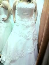 tak první zkouška šatů :-)