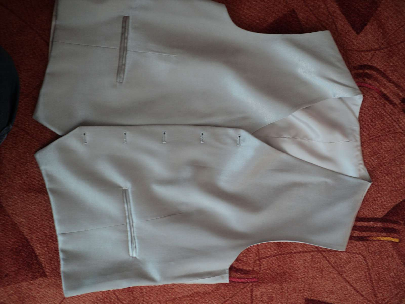 svetlý svadobný oblek-nohavice,sako,vesta - Obrázok č. 3