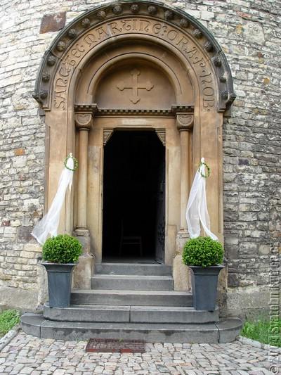 inspirace - vchod do kostela