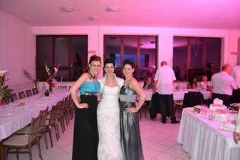 So sestrou a švagrinkou...