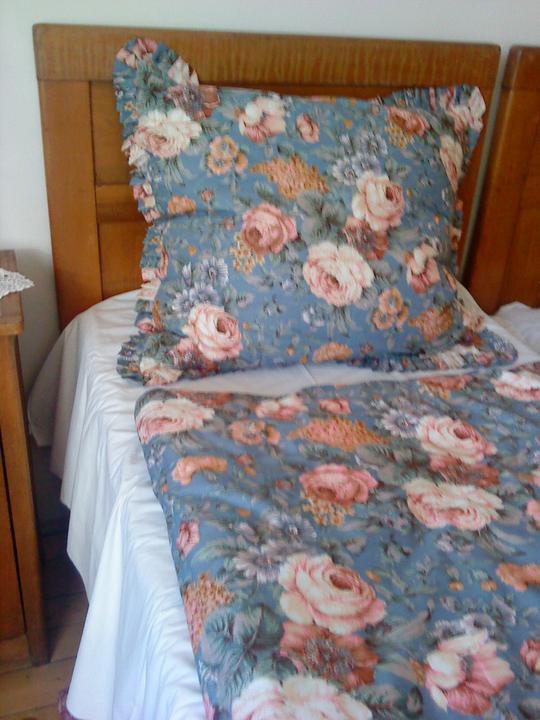 Flohmarkt - blšák, alebo burza - že toto niekto nechcel, nemchápem...v mojej starej spálni sa im páči
