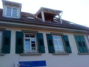 vtipne riešený balkón v podkroví