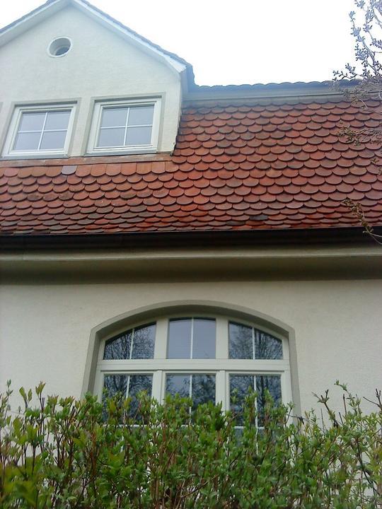 #okenice, okeničky a spol. - tu síce nie sú okenice, ale páčilo sa mi okno, aj bobrovka na streche