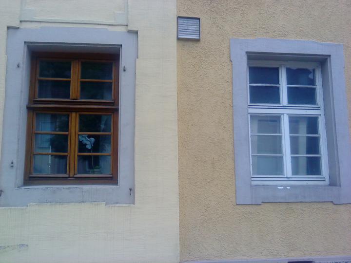 #okenice, okeničky a spol. - toto bol dvojdom, poslúži ako ukážka, čo spravia farby s tým istým oknom