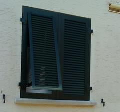 keď je vonku veeeeľmi horúco, tak okeničky s ventilačkou prídu vhod