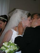 novomanželské políbení