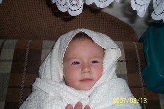 A naše malé čertíčatko.:) dcérka Lucinka.:)