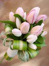 vybraná svatební květina
