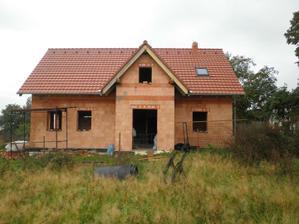 Září 2011 ... máme střechu