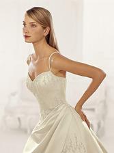 Moje vysněné šaty...po pár úpravách mi snad budou slušet stejně, jako slečně na obrázku :-))