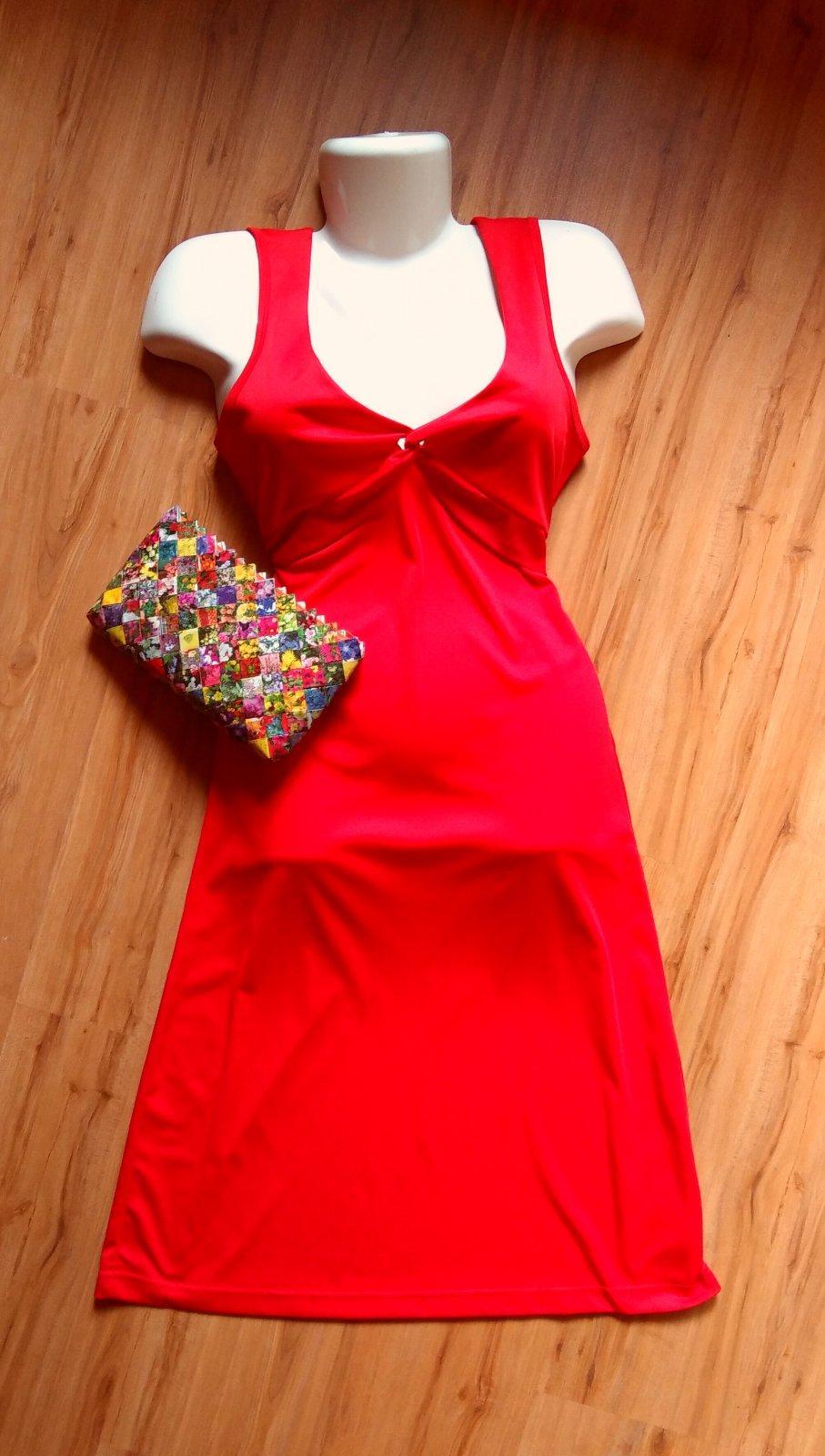 Červené šaty pre vysokú ženu - Obrázok č. 1