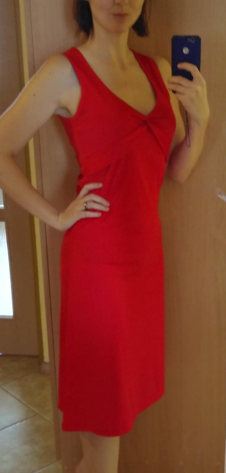 Červené šaty pre vysokú ženu - Obrázok č. 2