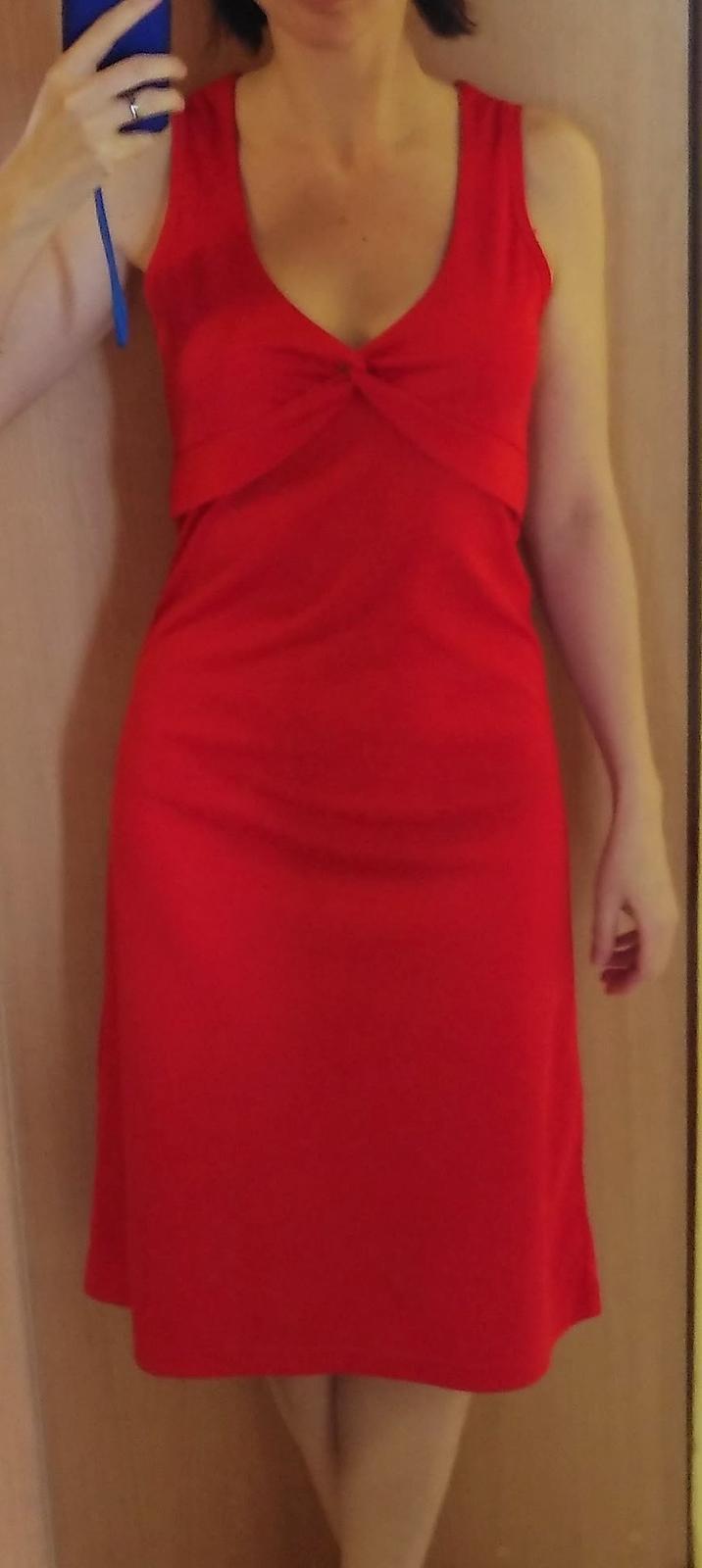 Červené šaty pre vysokú ženu - Obrázok č. 3