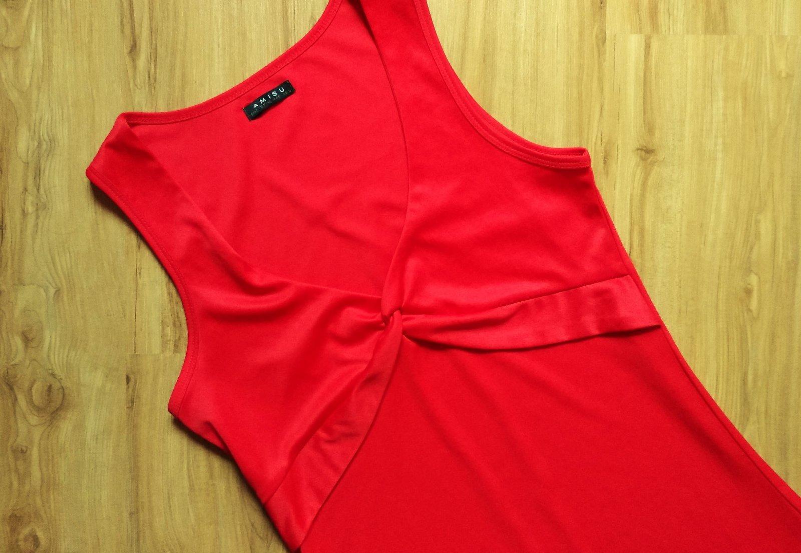 Červené šaty pre vysokú ženu - Obrázok č. 4