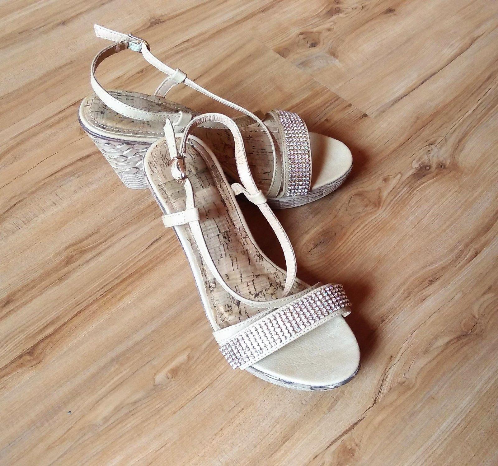 kamienkové sandálky na platforme - Obrázok č. 1