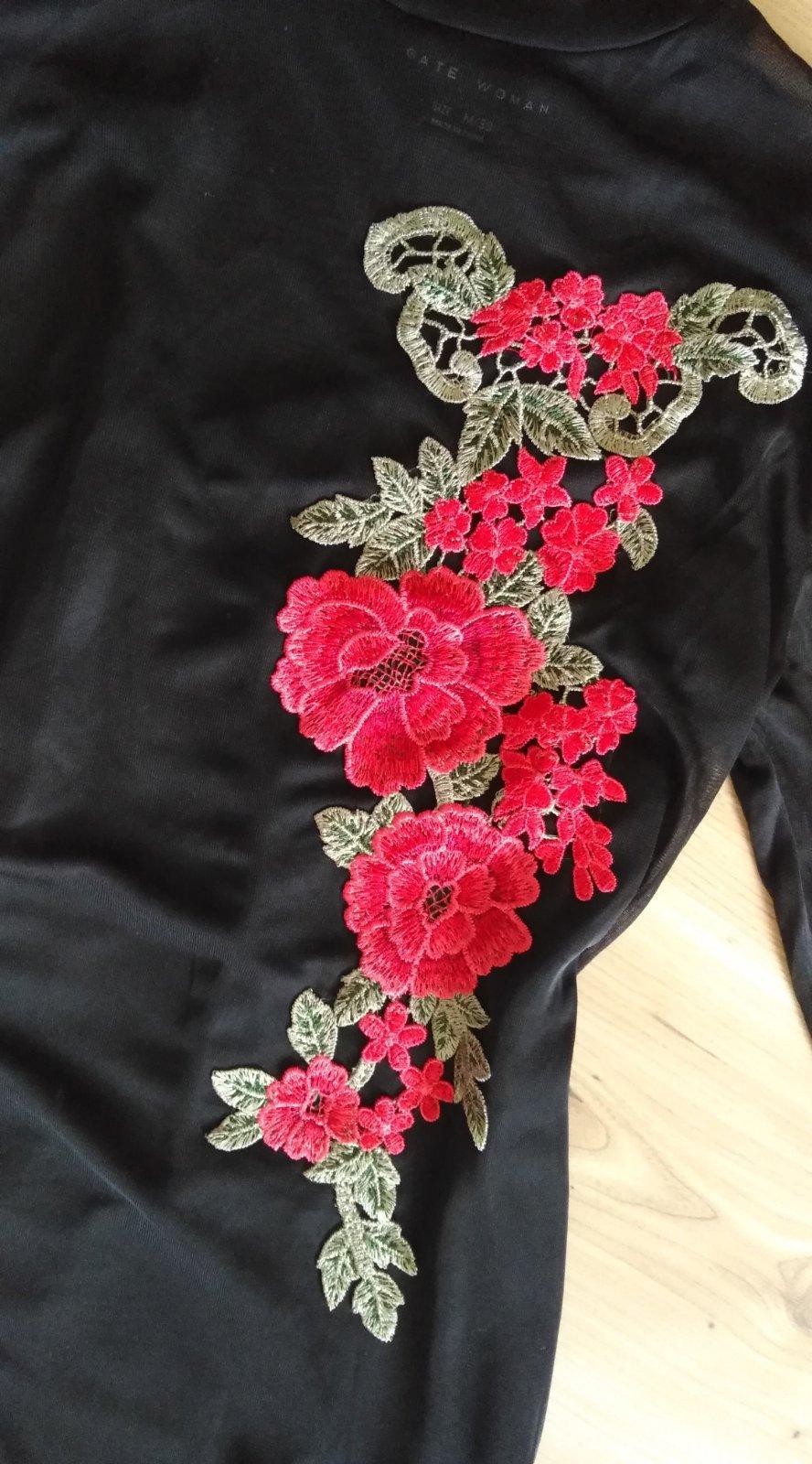 šaty s výšivkou - Obrázok č. 2