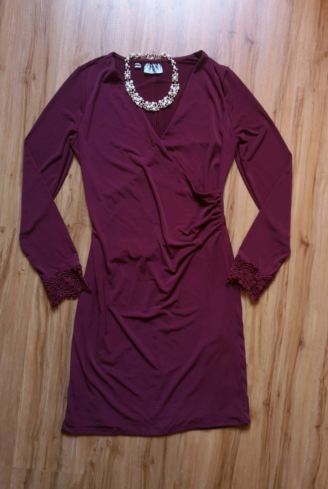 šaty s ozdobnými rukávmi - Obrázok č. 1