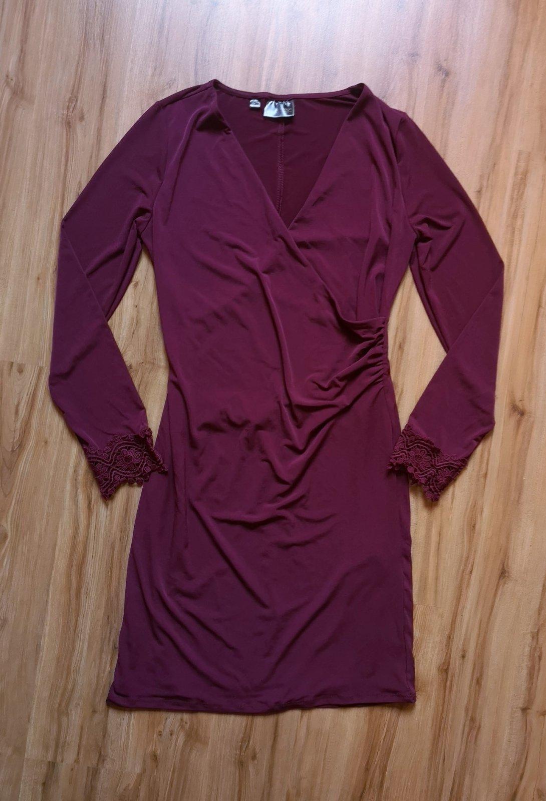 šaty s ozdobnými rukávmi - Obrázok č. 2