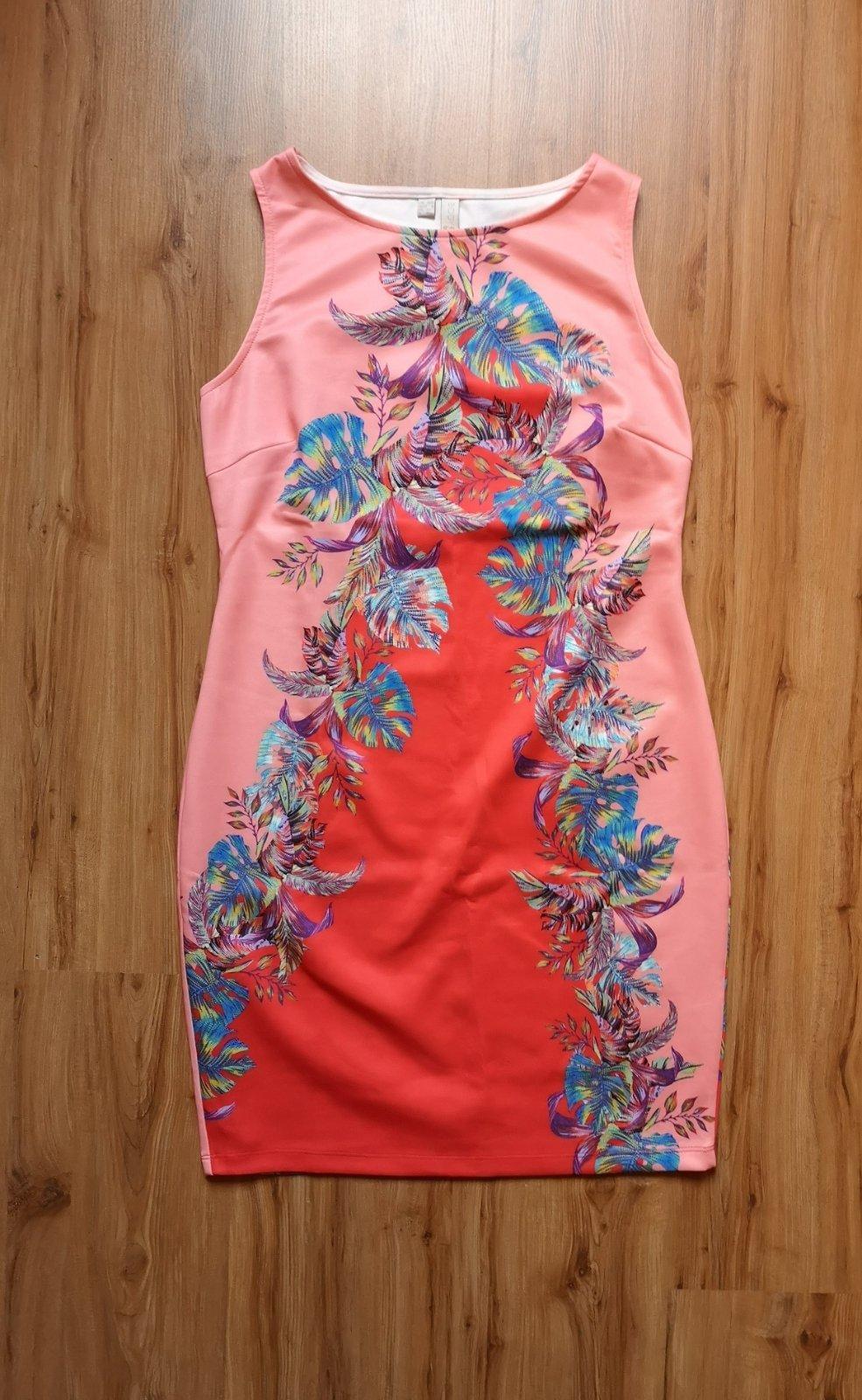 pestrofarebné puzdrové šaty - Obrázok č. 2