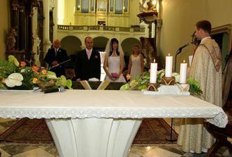 ženich, nevěsta a svědci