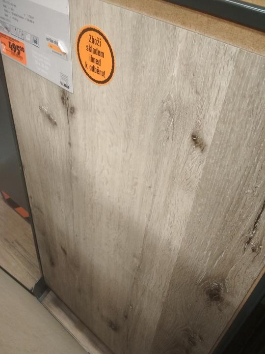 Vybírám podlahu, dub je jasná volba.. :-)