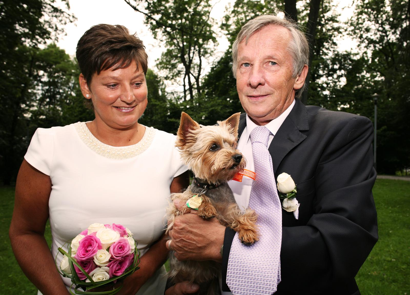 Dnes se oženil můj taťka :-) - Obrázek č. 1