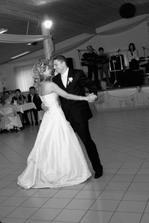 ... prvý novomanželský tanec