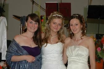 ... vtedy ešte budúce nevesty, teraz už všetky šťastne vydaté :)