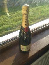 Kedy ochutnať pravé francúzske šampanské ak nie na vlastnej svadbe :)