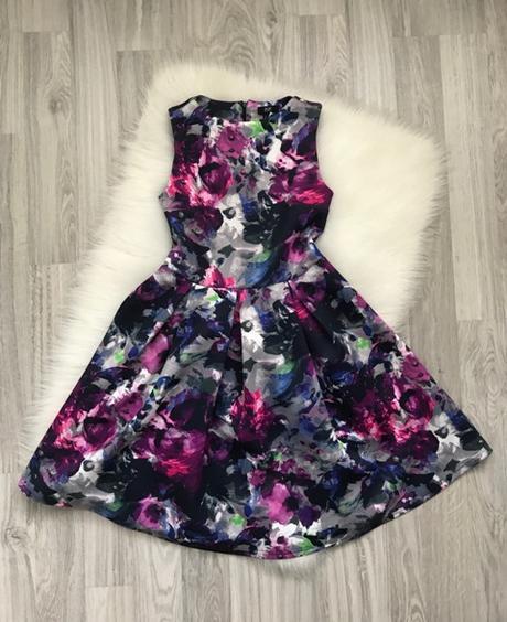 Spoločenské kvetované šaty značky F&F - Obrázok č. 1