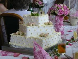 Náš kouzelný svatební dortík
