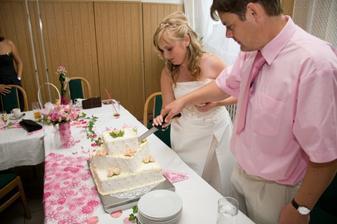 Společné krájení dortu