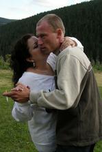 První novomanželský tanec pod širým nebem