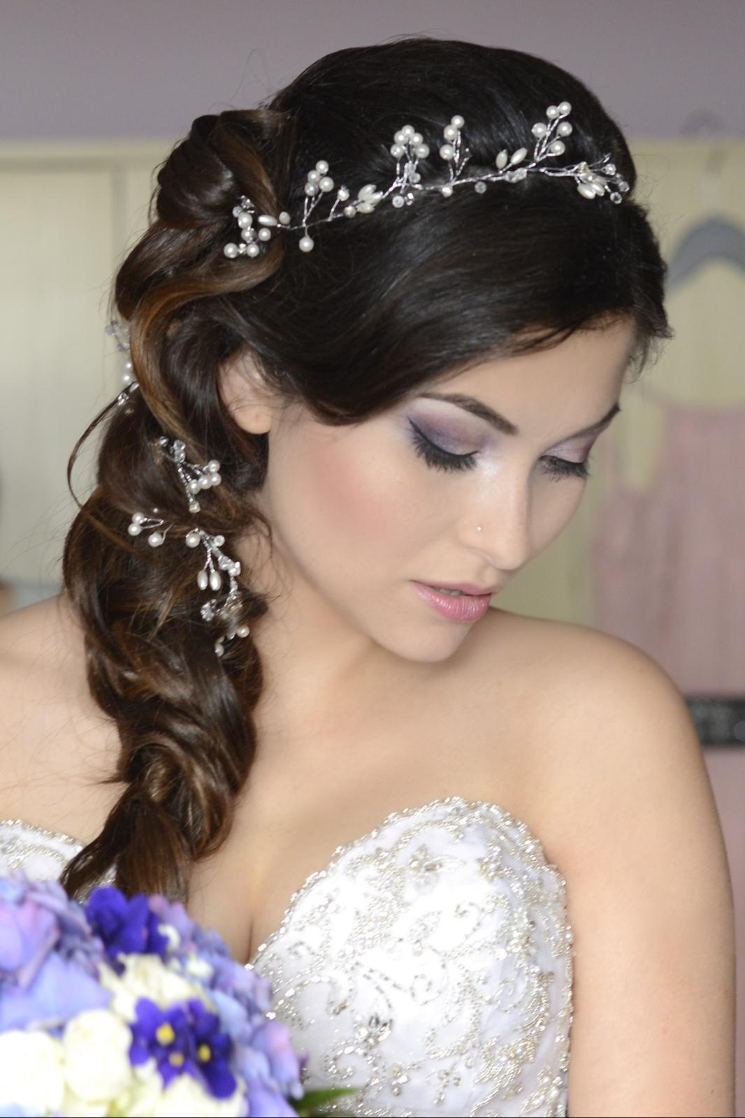 janadufkova - Nevěsta na fialovou svatbu