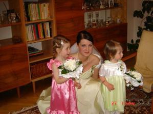 Drůžičky Natálka a neteř Monička