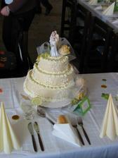 Náš úžasný svatební dort.
