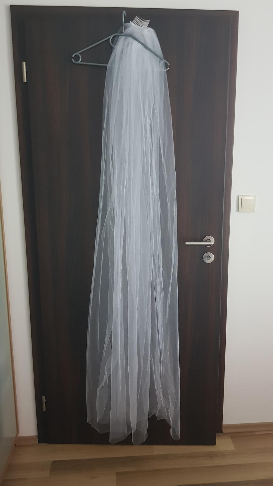 bílý tylový jednovrstvý závoj 175 cm dlouhý s hřebínkem - Obrázek č. 1