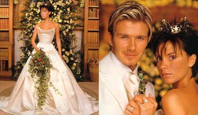 """Písal sa rok 1999 a z """"posh spice"""" Victorie sa stala raz a navždy pani Beckham. V tom čase už na svadbe pobiehal aj ich prvorodený syn Brooklyn. Posh spice mala šaty od Very Wang a na hlave korunku z 18 karátového zlata s diamantmi"""