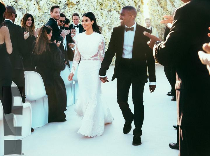 """Aaaa Kim po druhýkrát... Ruka v ruke pán a pani West. Chateau vo Florencii, šaty Givenchy, tisíce kvetov a úsmev č. 5... Náklady """"pouhých"""" 30 mil. dolárov za týždeň trvajúcu európsku svadbu"""
