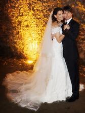 V roku 2006 si Katie Holmes zobrala Toma Cruisa a s ním aj celú scientologickú cirkev. Armani od hlavy až po päty, talianský zámok a spievajúci Andrea Bocelli. V roku 2012 Katie z tohto manželstva precitla...