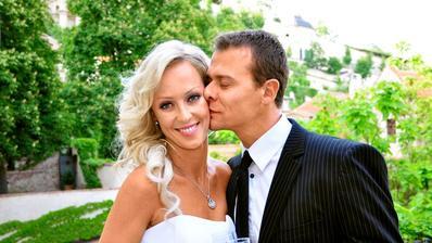 V roku 2012 si vzal Vlastimil Hájek Zuzanu Belohorcovú. Svadba v Prahe bola narýchlo, vraj kvôli pracovným povoleniam do USA. V tom čase už mali 2 ročnú dcérku a plánovali spoločný život v Miami.